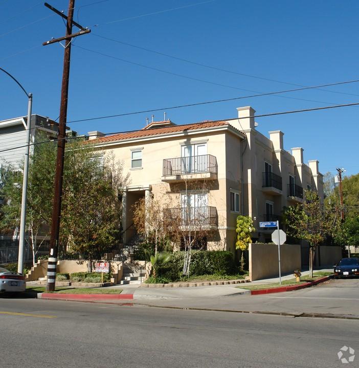 Camarillo Apartments: 10835 Camarillo North Hollywood